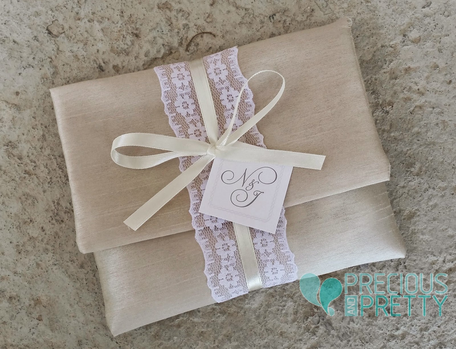 Wedding favors silk envelopes