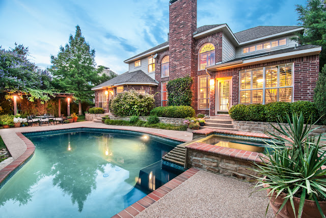 House With Pool For In Flower Mound Tx