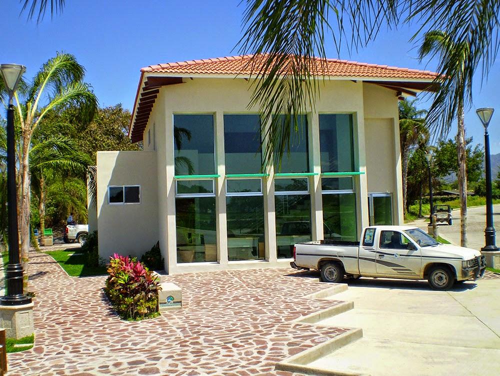 Oficina de la Asociación de Colonos de Fluvial Vallarta
