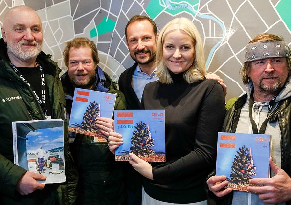 Crown Prince Haakon and Crown Princess Mette-Marit had a breakfast with sellers of =Oslo street magazine