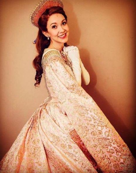 Anastasia figurino no Musical