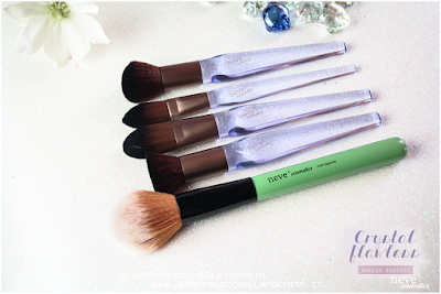 comparazione Crystal flat NeveCosmetics Crystal Flawless Brushes