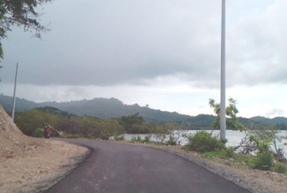PLN Genjot Pemasangan, Tiang Listrik Beton Di Pulau Jampea