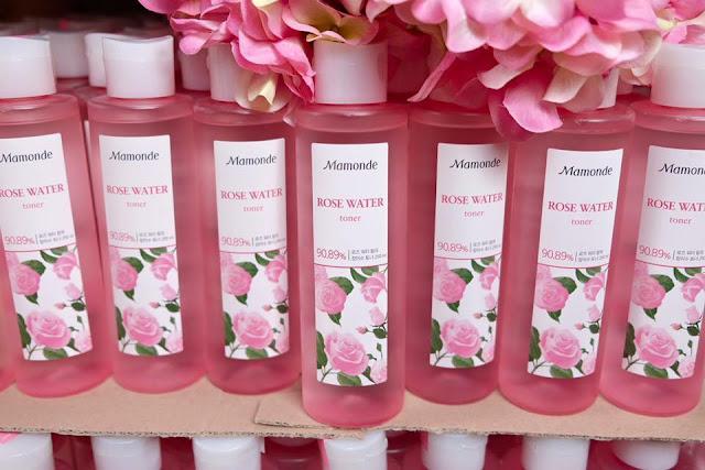 đánh giá nước hoa hồng dưỡng ẩm Mamonde Rose Water Toner