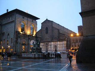 The beautiful Piazza Maggiore in Bologna