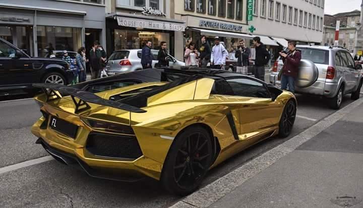 Sweet Wallpapers Hub Wallpaper Of Golden Car In Usa