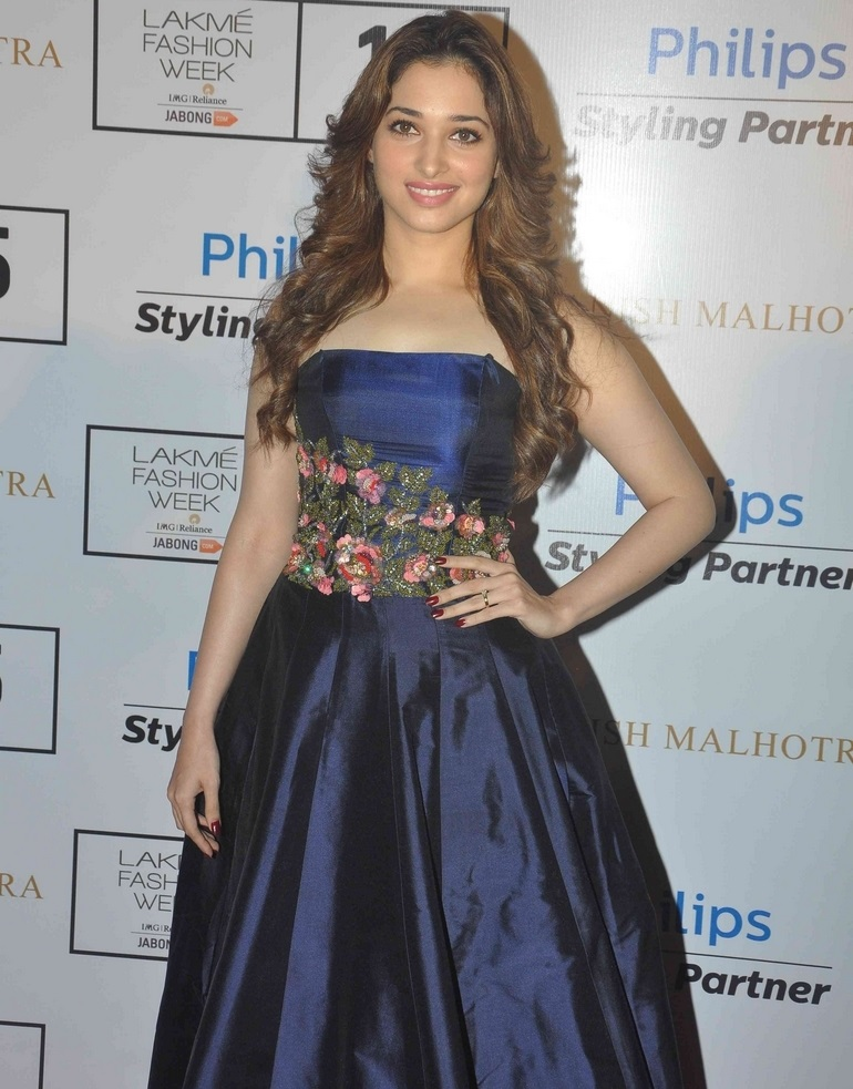 Indian Glamours Girl Tamannaah Stills In Blue Dress At Lakme Fashion Week