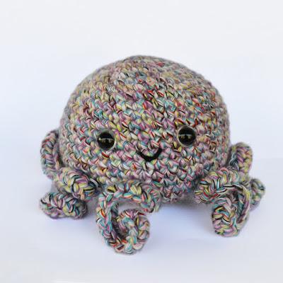 Free Crochet Amigurumi Pattern - Seamless Octopus
