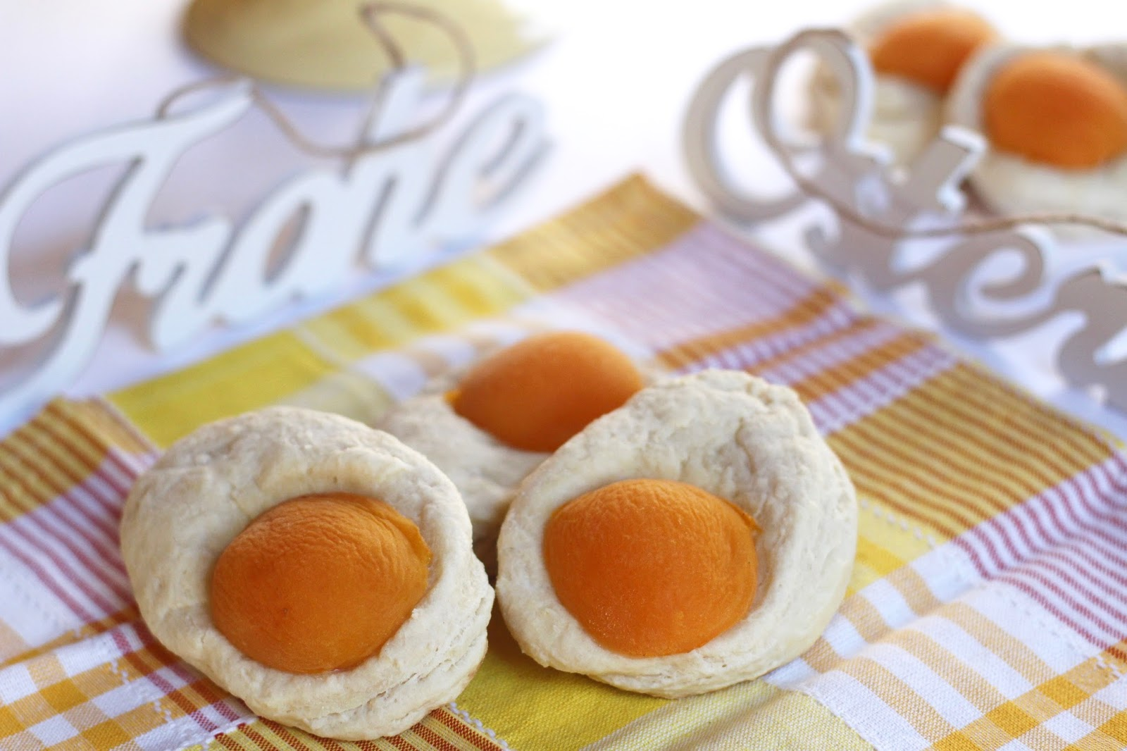 Apricot easter egg scones diary of a mad hausfrau for the most part this years easter recipes have been about the wow factor and flavor but most importantly time savers i wanted to present recipes that negle Images