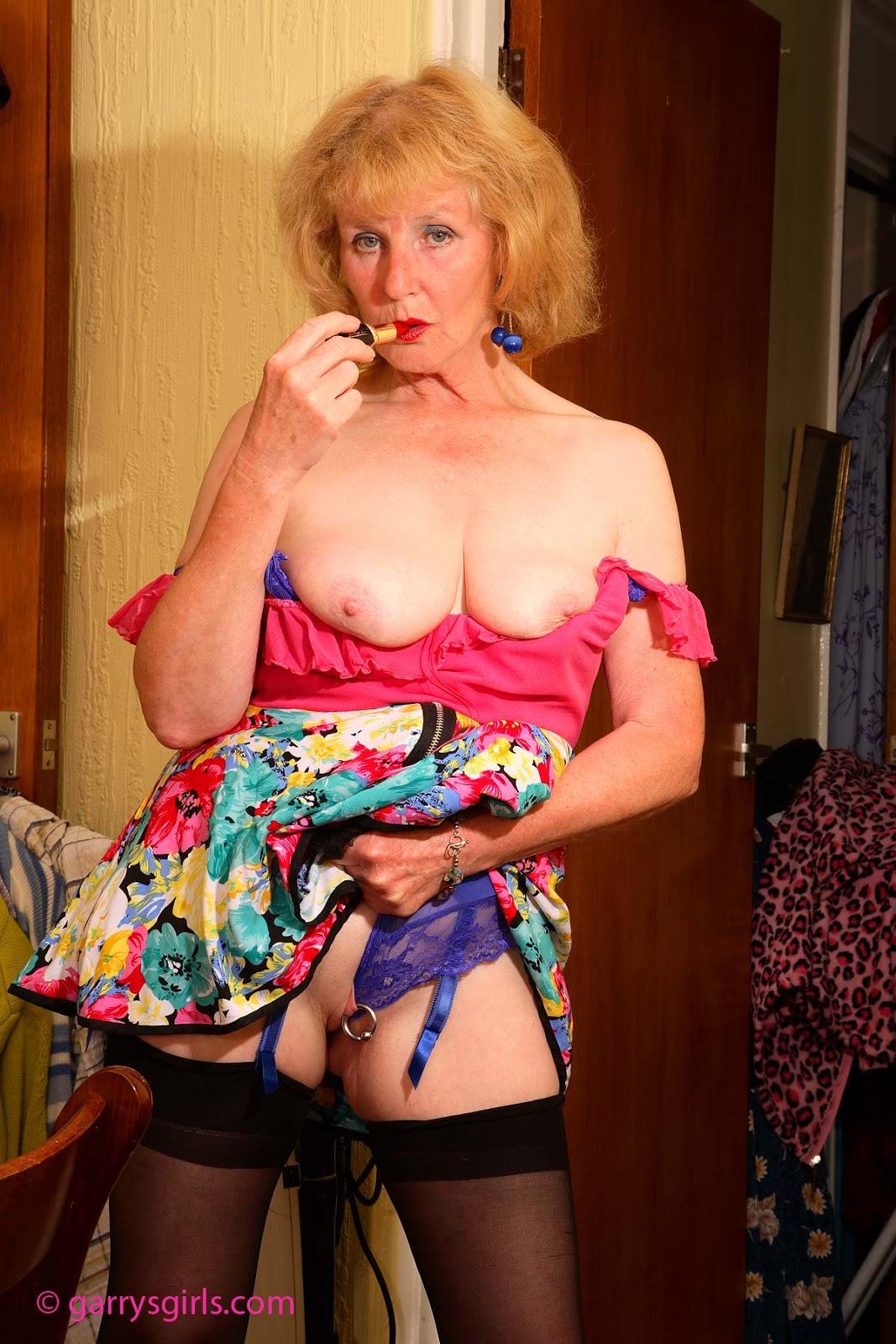 backup older women archive Pearl
