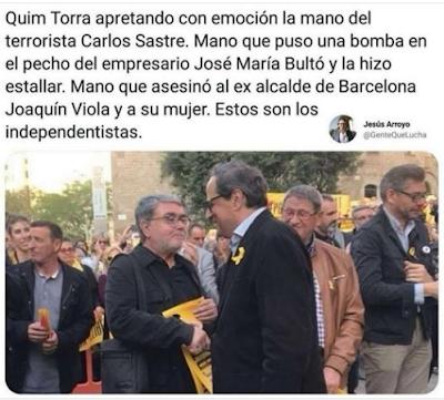 Juaquinico Torra apretando con emoción la mano del terrorista Carlos Sastre. Mano que puso una bomba en el pecho del empresario José María Bultó y la hizo estallar. Mano que asesinó al ex alcalde de Barcelona Joaquín Viola y a su mujer. Estos son los independentistas.
