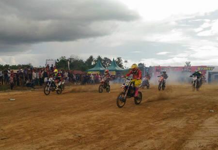 Crosser Aceh dan Sumut Berebut Piala Kapolres Aceh Singkil Cup