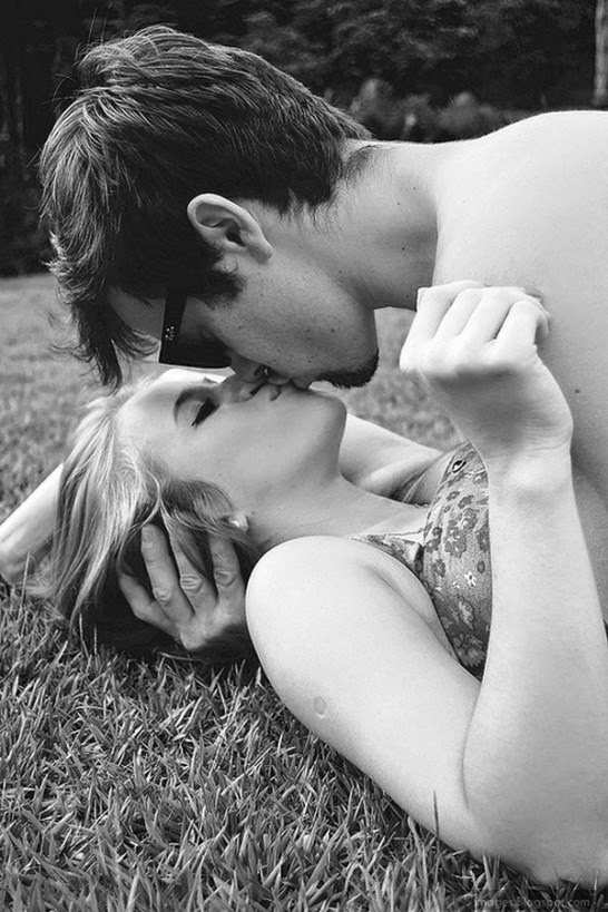 Boy and Girl kissing and hug romantic pic