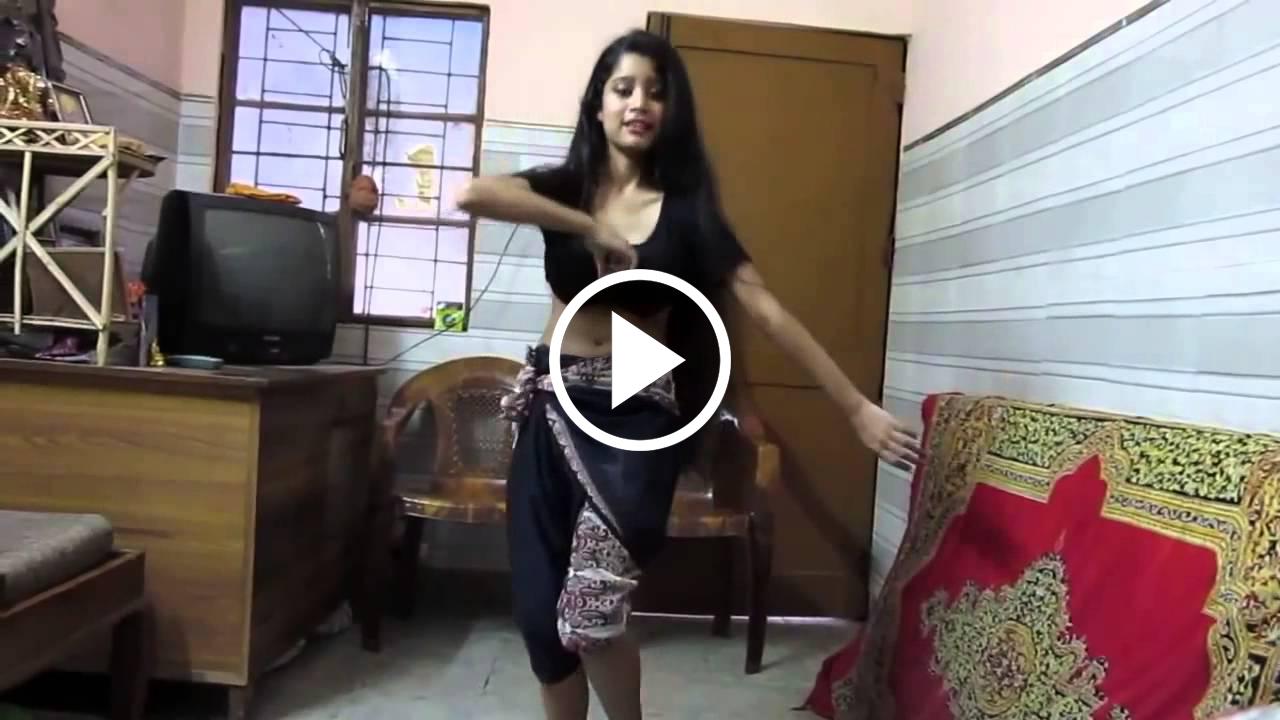 This Hot College Girl Dancing On Chikani Chameli