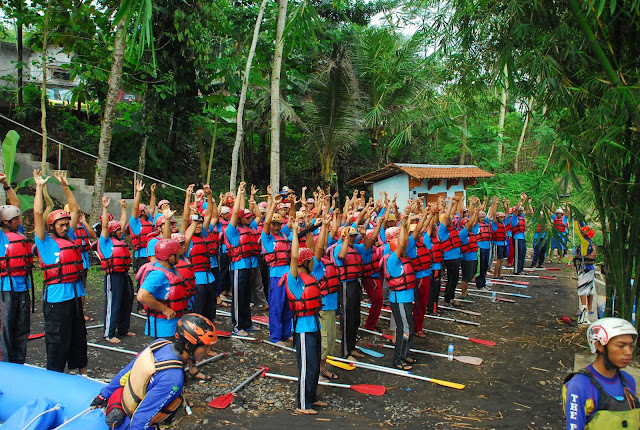 rafting, the pikas, employee gathering, pln, the pikas banjarnegara, rafting