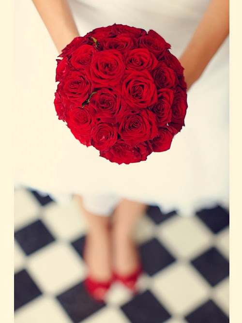 Decorate Your Wedding With Rose Wedding Flowers