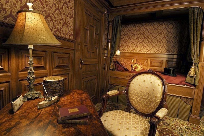 The interior of a First Class Cabin. - The Titanic Museum in Branson