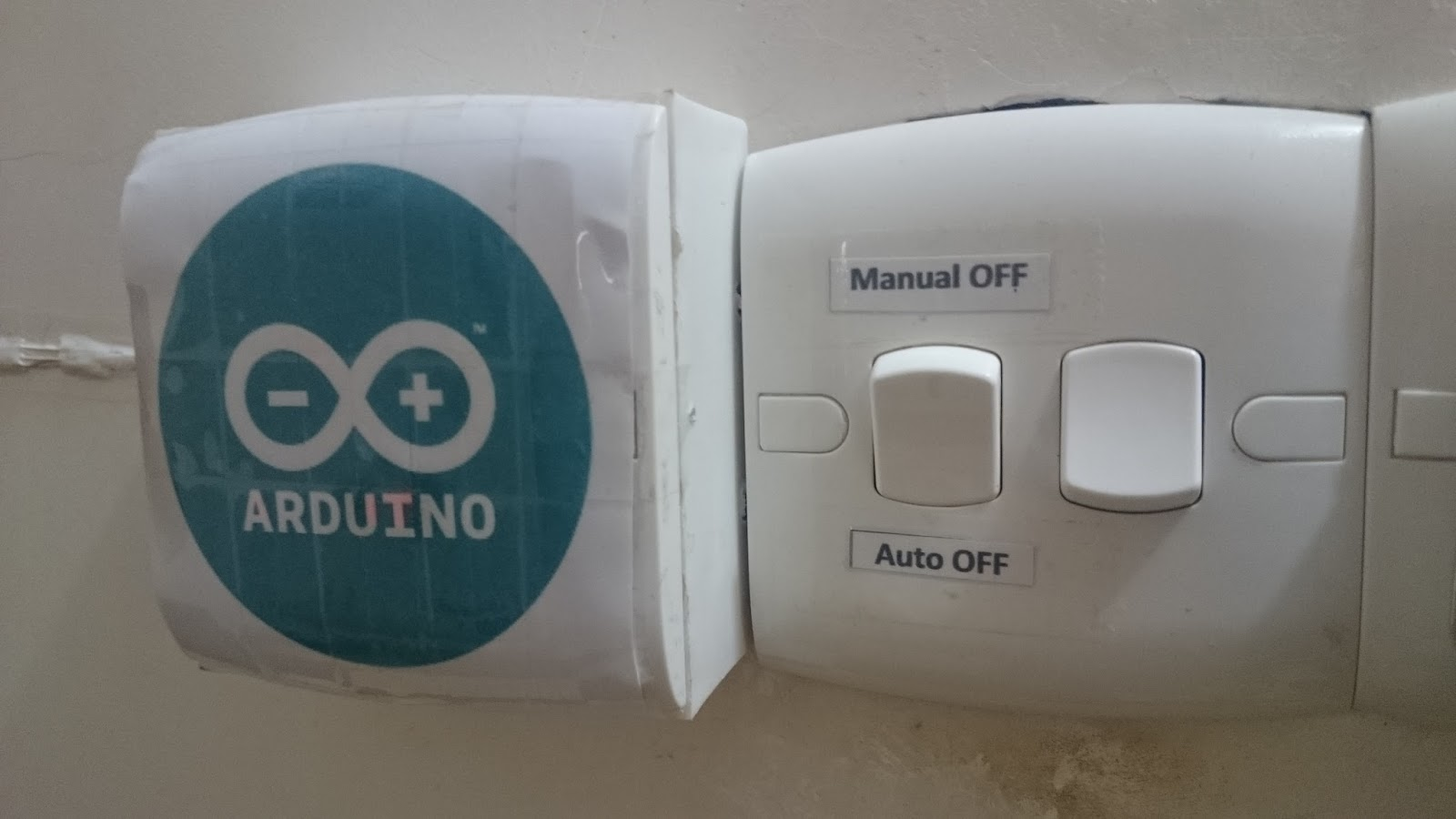 V auto room light switch using arduino and lazer