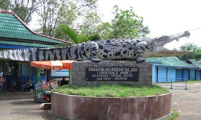 Objek Wisata Taman Buaya Indonesia Jaya di Bekasi