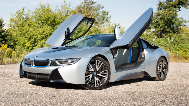 Price and Specifications BMW i8 Gallery