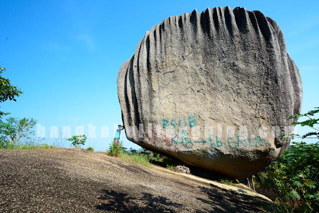 batu terbang pulau bangka