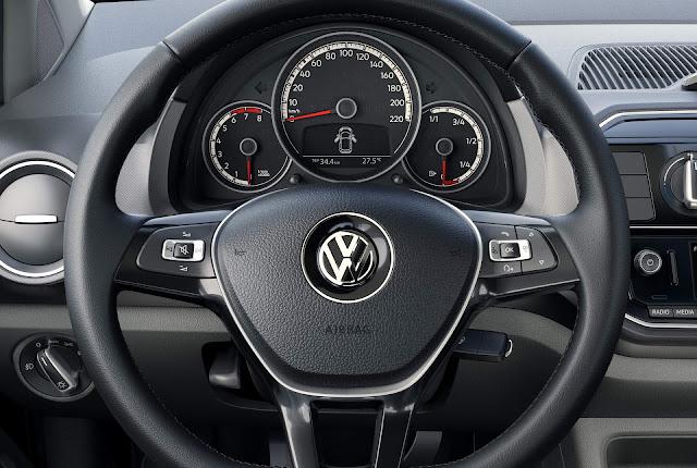 novo Volkswagen Up! 2018 - volante multifuncional
