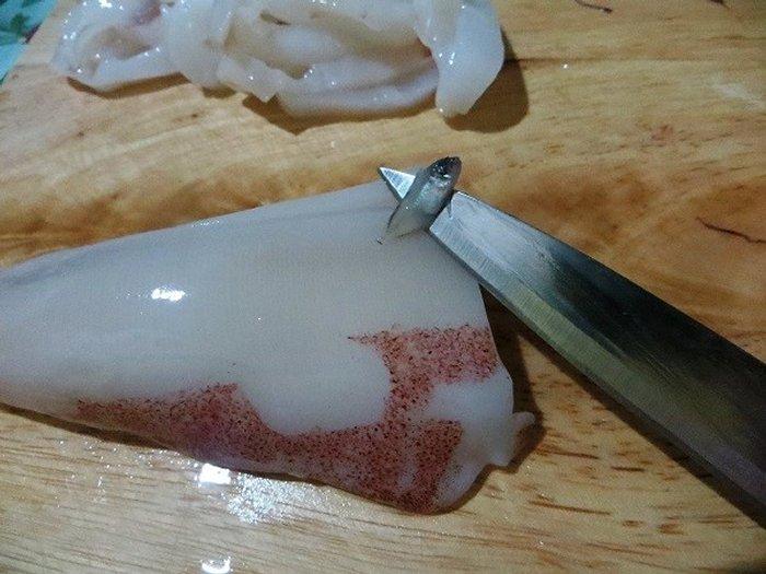 маленькая рыба из кальмара