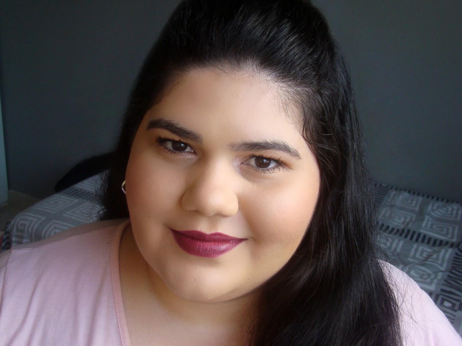 Batons Favorito cor vinho tinto make b o boticário maquiagem makeup lipstick