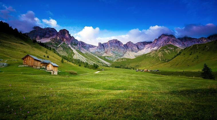 Indahnya Gambar Pemandangan Alam Pegunungan dan Sawah