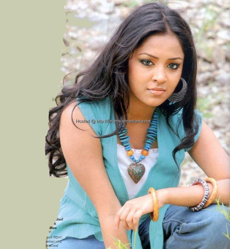 The Beauty World and Beauty Entertainment: Nice and Very Beautiful Sri Lankan Actress