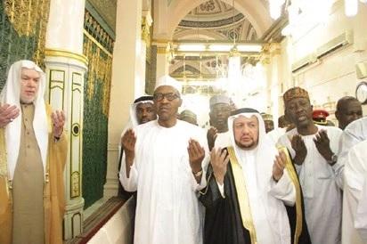 PHOTO: PRESIDENT BUHARI PRAYS FOR NIGERIA IN SAUDI ARABIA