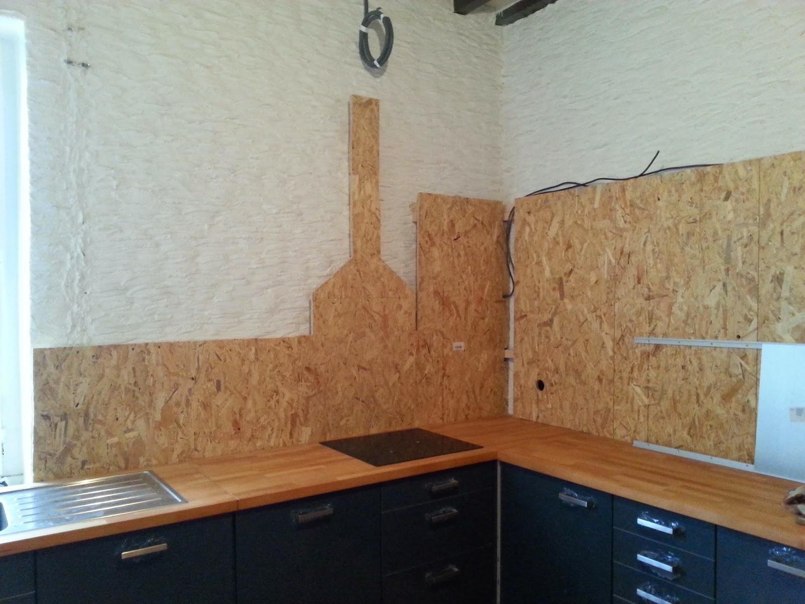 notre maison cuisine partie 6 le faux mur et tout et tout. Black Bedroom Furniture Sets. Home Design Ideas