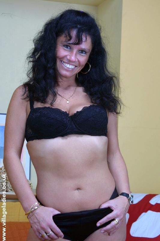 Nude Desi Mature Women