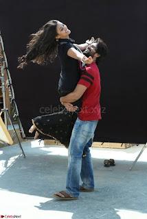 Pooja Jhaveri romancing Vijay Devarakonda in movie Dwaraka (13).jpg