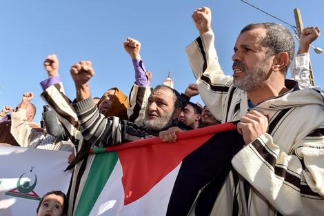 """الجهوية 24 - الغضب ضد ترامب يشتعل بمساجد المملكة في جمعة """"لبيك يا قدس"""""""