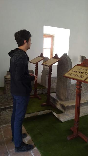 Harun İstenci İsmail Bey Türbesinde dua ediyor. Kastamonu - Nisan 2019