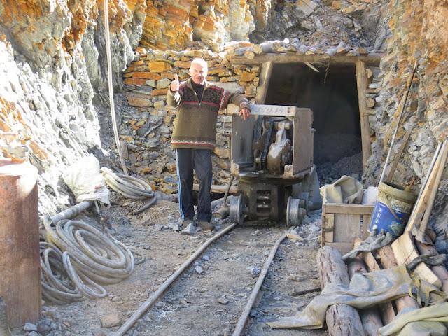 """Nach einer Stunde Fahrt waren wir bei der Mine """"Rosa de Oro""""."""