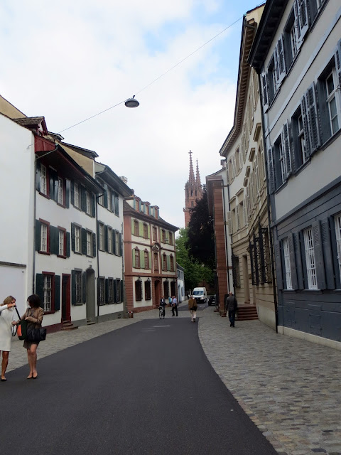 old town, basel, Switzerland, travel, travelling, traveling, Europe, long weekend, weekend break, city break, euro trip, rathaus, red rathaus, black forest, Rhine, munsterplatz, munster cathedral, guide to basel, what to do in basel,