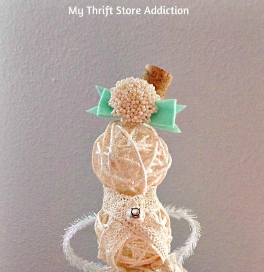 Sassy Snow Lady / wine cork hat vintage brooch / mythriftstoreaddiction.blogspot.com