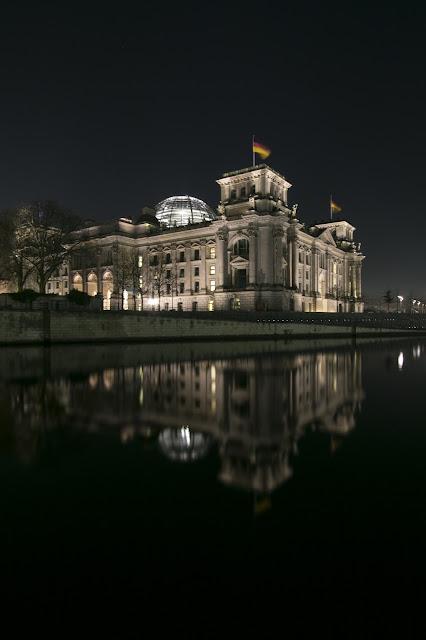 Bundestag di notte-Berlino