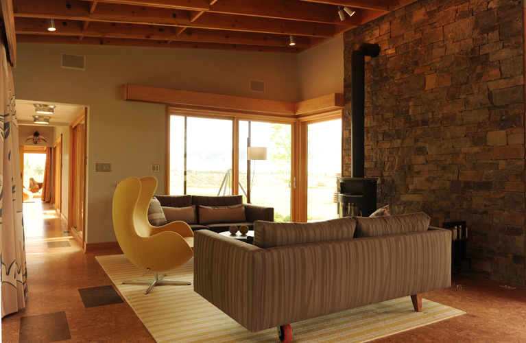 Contemporary prefab home, Montana