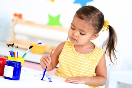 Tahap perkembangan kognitif anak usia 3 tahun