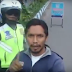 WismaQQ.com | Seorang Pemuda Mengganggu Polisi Saat Melakukan Razia
