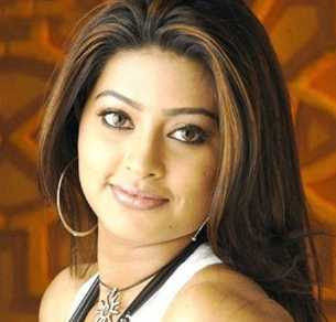 Sneha born Wiki, Height, Weight, Age, Husband, Family and Biography