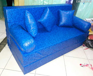 Sofa bed inoac tahan air saat di fungsikan posisi sebagai sofa inoac