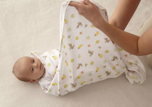14 Mitos Tentang Perawatan Bayi.