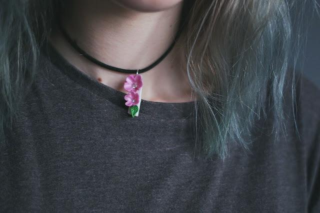 Choker kwiaty wiśni