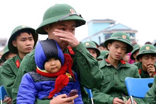 Tân binh chuẩn bị lên đường nhập ngũ