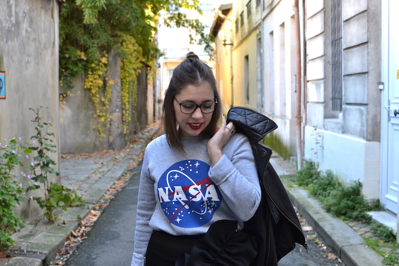 Perfecto Isabel Marant, pull NASA smmydress,jupe noire à froufrous & other stories