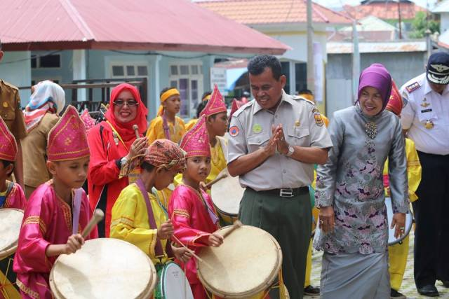 "Walikota Mukhlis Rahman Resmikan ""One Day For Children"""